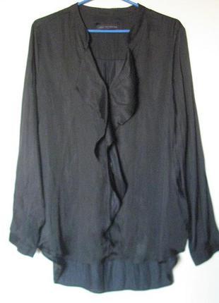 Блуза черная с воланом h