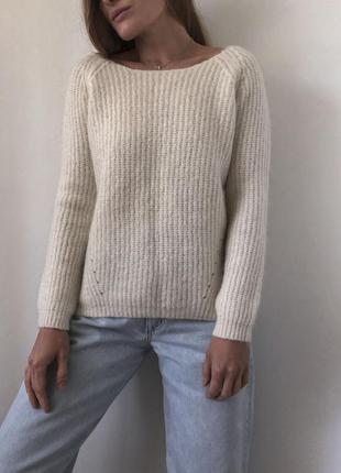 Базовий молочний светр promod