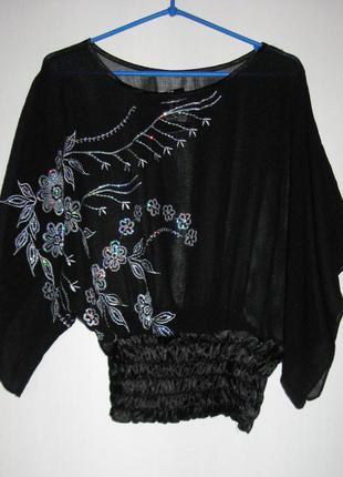 Нарядная шифоновая блуза с рисунком из пайеток