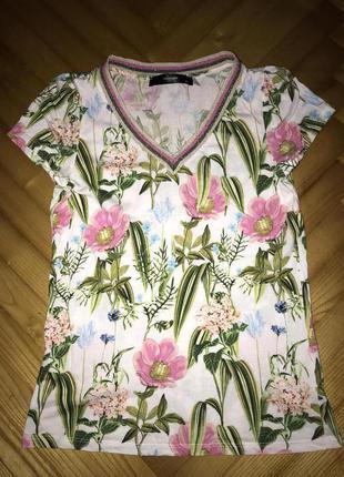 Hallhuber-футболка в цветочный принт! р.-xs