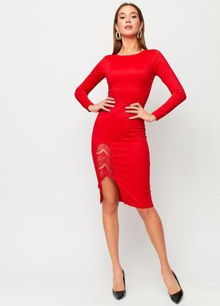 Красное платье футляр ниже колена, миди, с гипюровым вырезом, р.xs-s