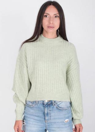 Светло-зелёный свитер