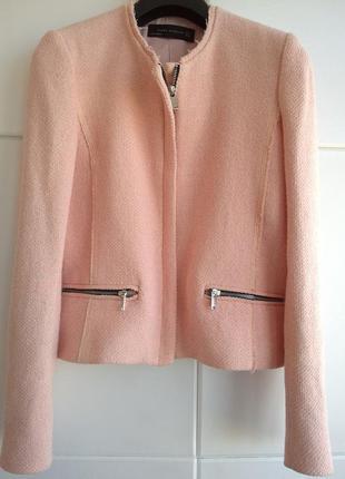 Нежно-розовый жакет пиджак zara