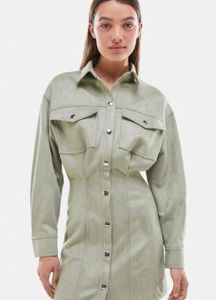 Мягкое, тёплое платье на кнопках с карманами bershka