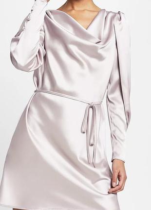 Нарядное атласное платье с рукавами бубами от river island