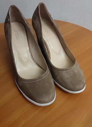 Туфли замшевые на танкетке attizzare