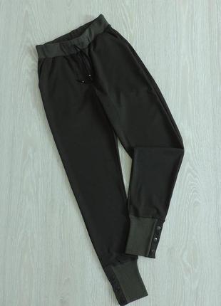 Спортивные брюки цвета хаки