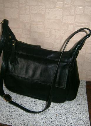 Стильная сумка кросс-боди из натуральной кожи. gigi