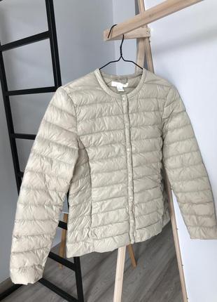Куртка h&m бежевая тонкая дутая 38 размер 10 м