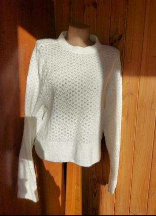 Шерстяной белый свитер кофта