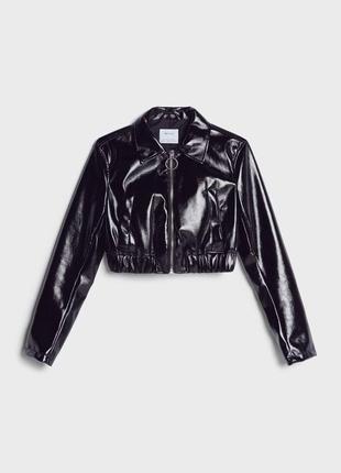 Куртка-бомбер укороченная лакированная чёрная на молнии🖤