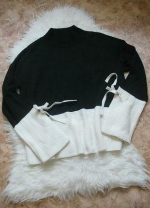 Черно-белый свитер с завязками на рукавах primark  большой размер