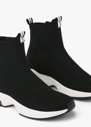 Ботинки тканевые zara новые  размер 32