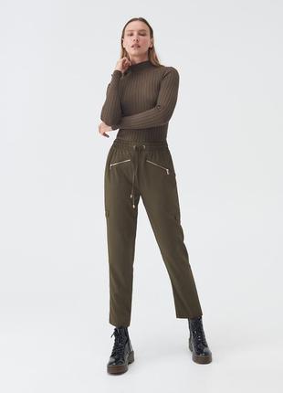 Sinsay стильные брюки чиносы хаки