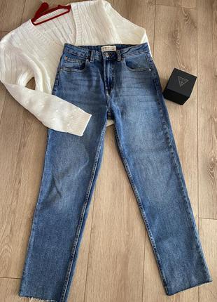 Супер класні джинси mom плотний джинс