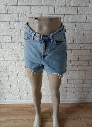 Стильні сучасні джинсові шорти denim