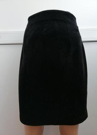 Юбка женская чёрная короткая бархатная
