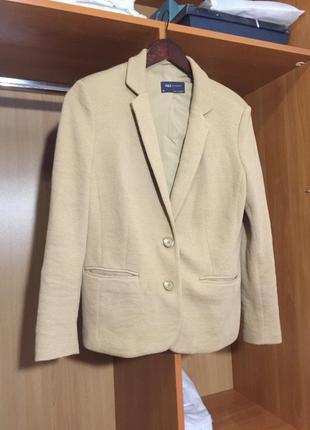 Бежевый жакет пиджак блейзер бежевый нюдовый нюд marks spencer