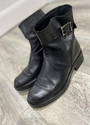 Женские ботинки миратон размер 38, на 39 тоже