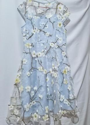 Нежное платье сакура louche
