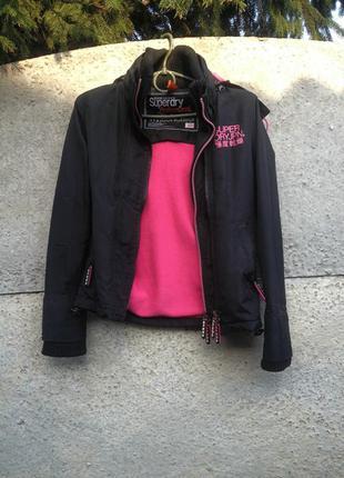 Стильная куртка на 3 молнии, черно-розовая, спортивная, с капюшоном. р. s, xs,superdry