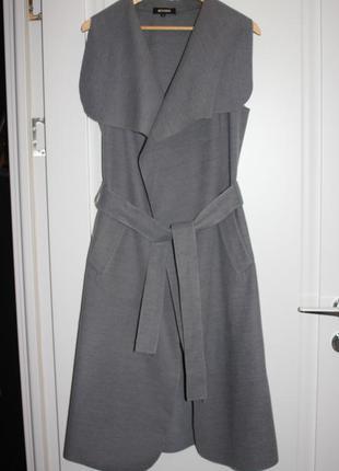 Серое пальто безрукавка на запах missguided размер l