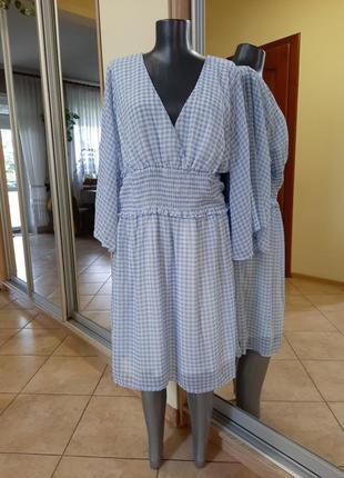Красивое на подкладке с расклешенными рукавами платье 👗большого размера