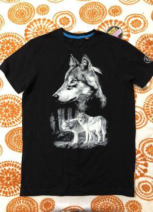 Футболка волки