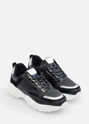 Крутые фирменные кроссовки mohito
