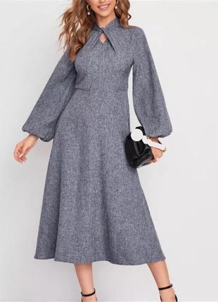 Тёплое элегантное осеннее платье