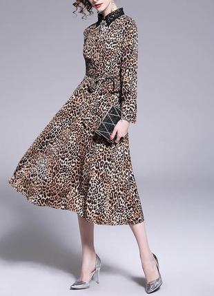 Платье-миди с леопардовым принтом