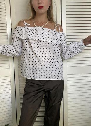 Красивейшая льняная блуза белого цвета в синий горошек zara