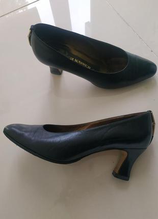 Кожаные туфли каблук рюмочка