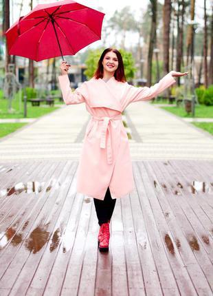 Пальто нежно розового цвета