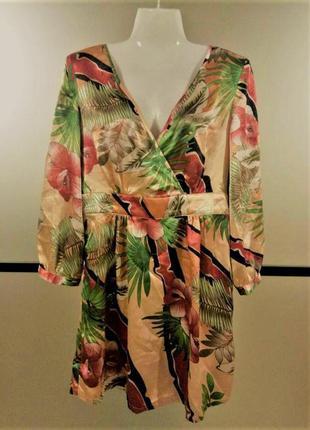 Атласное лёгкое платье-туника на запах принт цветы оазис свободного фасона. xs-m