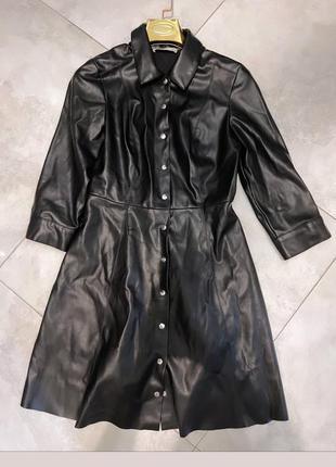 Платье из эко кожи