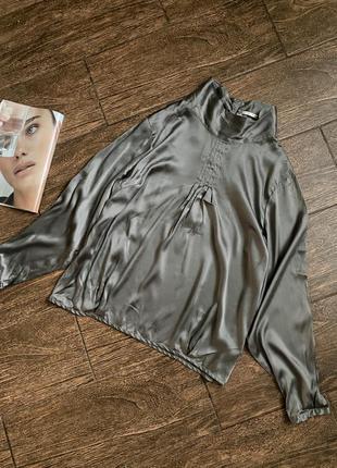 Очень красивая шелковая блуза