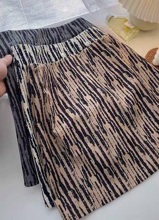 Тёплая юбка вельветовая с подкладкой шортами на молнии в полоску с принтом модная трендовая короткая мини с высокой посадкой облегающая