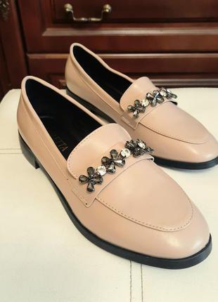 Туфли женские лоферы из эко-кожи в классическом стиле беж