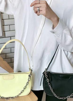 Новая женская нейлоновая чёрная сумка багет с серебряной цепочкой