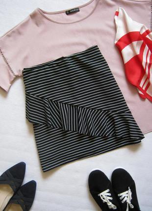 Фактурная юбка в полоску с рюшами спереди