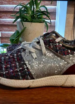 Туфли. кроссовки.