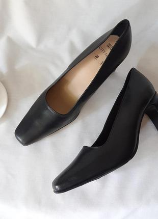 Трендовые туфли из кожи