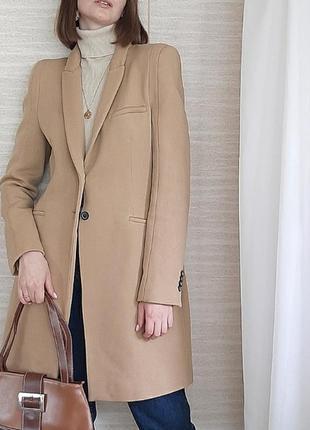 Трендовое пальто кемел