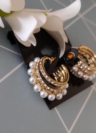 Сережки кільця з перлинами, серьги кольца с жемчугом от asos