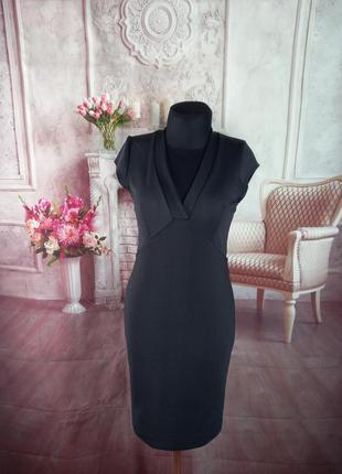 Стильное силуэтное платье черное