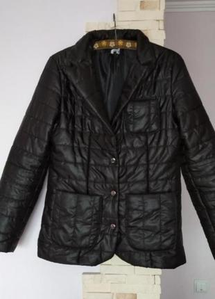 Демисезонная синтепоновая куртка пиджак жакет с карманами