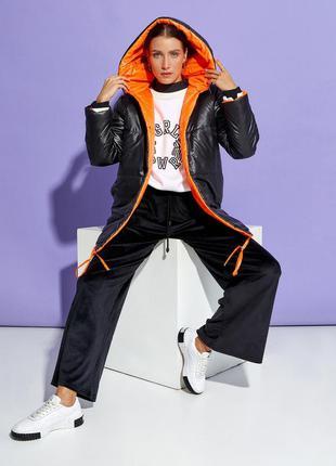 Черно-оранжевая двусторонняя куртка с капюшоном