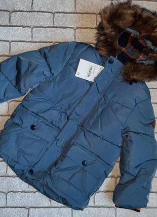 Теплая курточка на мальчика c&a