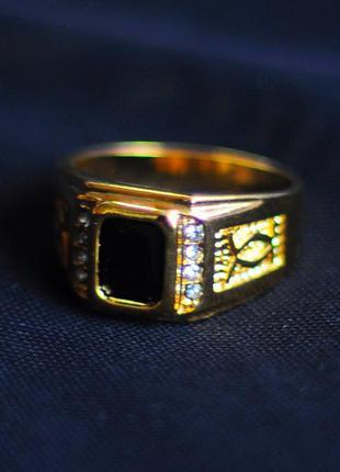 Роскошный мужской женский унисекс перстень с стразам и черным камнем и плетением вязью под золото